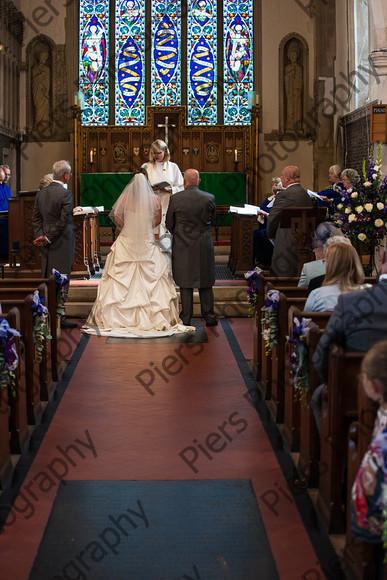 Emma and Duncan 221   Emma and Duncan's wedding   Keywords: Bucks Wedding photographer, Piers Photography, Gt Missenden Church, Uplands House